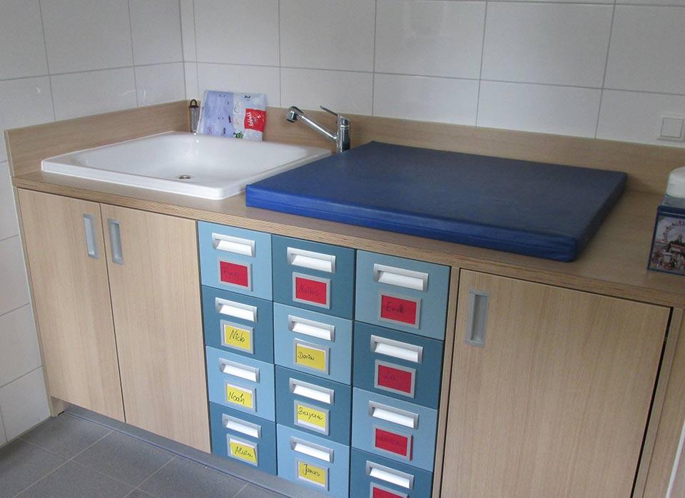 Referenzen Kindergartenmöbel F.Design_21